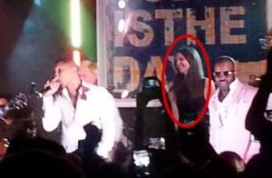 Katie Holmes, Lenny Kravitz e outras estrelas em festa nos Hamptons