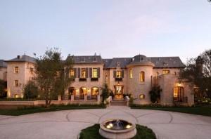Vazaram fotos da mansão de Gisele Bündchen e Tom Brady na Califórnia