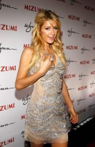 Festa de Paris Hilton em Malibu sofre arrastão. Glamurama conta