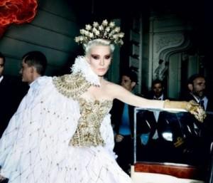 """Com imagens incríveis de Mario Testino, """"Vanity Fair"""" homenageia seus """"bem vestidos"""""""