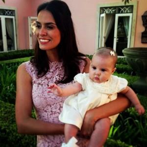 Renata Queiroz de Moraes batiza a filha na Fazenda Boa Vista. Confira!