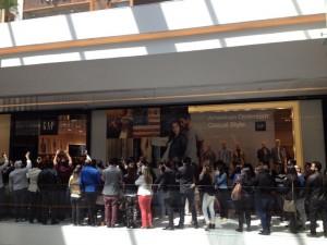 Gap abriu as portas no JK Iguatemi São Paulo com fila quilométrica