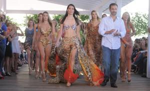 Hot pants e bodies com maxicolares: as apostas da Cia. Marítima para o verão