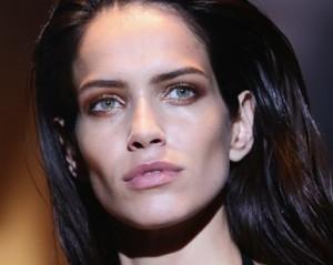 Amanda Wellsh, top brasileira que estrelou catálogo da Animale, é o novo rosto da Gucci
