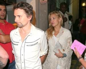 Kate Hudson e Matthew Bellamy aproveitam noite na Lapa, no Rio