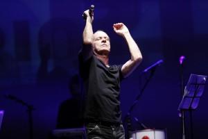 RIR: Ney Matogrosso comenta postura de Caetano de 'não abrir pra gringo'