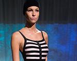Paris prestigia o beachwear de Adriana Degreas com trupe estrelada