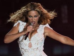 Parem as máquinas: Beyoncé quer encerrar 2013 com um novo álbum