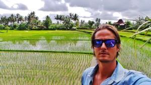 Dimitri Mussard mostra cliques exclusivos de sua viagem exótica pela Indonésia