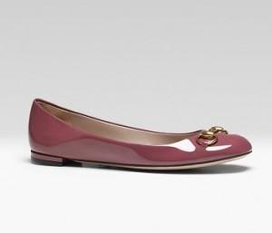 Para um verão mais chique e confortável, aposte em sapatos flat