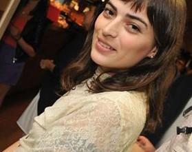 """Vera Egito sobre novo filme: """"É difícil encontrar outra Laura Neiva"""""""