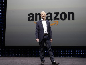 Parece novela: pai do bilionário Jeff Bezos ganha a vida consertando bicicletas