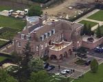 David e Victoria Beckham vendem o Beckingham Palace. O preço?