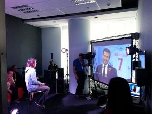 Glamurama entrevistou David Beckham em uma ação inédita via Facebook
