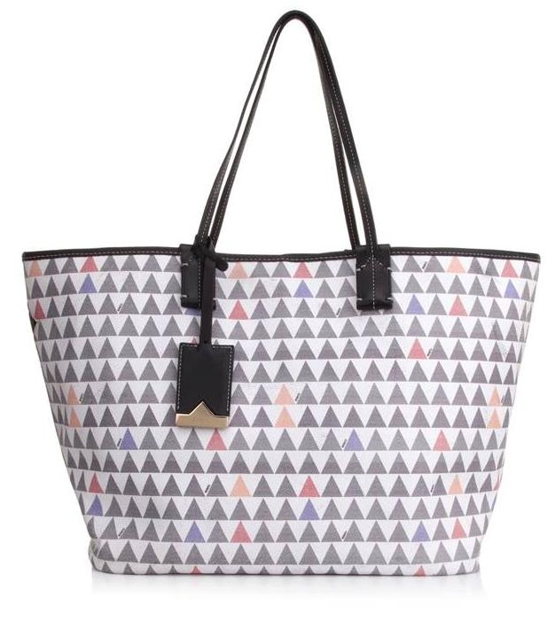 e48d87031d Schutz lança coleção de bolsas Triangle Premium Handbags – Moda – Glamurama