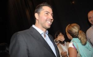 Cenógrafo Marcelo Bacchin arma festa para comemorar 15 anos de carreira