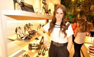 Com festa, Helena Bordon lança linha de sapatos para a My Shoes