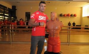SKY leva Vitor Belfort para aula de MMA Fitness na Bodytech do Eldorado