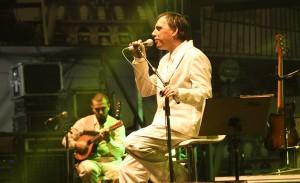 Tang encerra projeto de incentivo à reciclagem com show no Teatro Bradesco