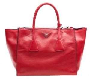 Vermelho é o tom das bolsas para a temporada. Confira uma seleção especial