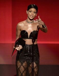 Os principais momentos do American Music Awards em fotos. Vem ver!