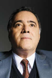 Com 49 anos de carreira, Tony Ramos adora atuar em novelas e não faz caso da fama