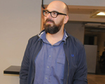 """Felipe Hirsch estreia em SP a polêmica """"Puzzle"""", no Sesc Pinheiros"""