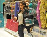 Cia Marítima lança coleção com turma boa de glamurettes no JK Iguatemi
