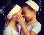 Bia Antony comemora aniversário e agradece com foto das filhas. Confira