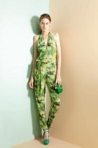 Top Thairine Garcia é o novo rosto do catálogo de alto-verão da A.Brand