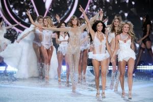 Victoria's Secret Fashion Show parte 2: os melhores momentos aqui