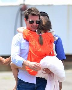 Tom Cruise é comparado ao pai, que o abandonou quando criança