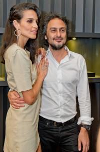 Jack Vartanian inaugura flagship ao lado de globettes