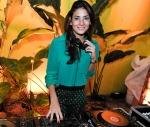 DJ Marina Diniz adianta sua setlist para a virada. Aumenta o som!