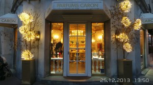Ainda dá tempo: confira as vitrines de Natal mais charmosas de Paris
