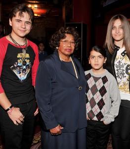 Família de Michael Jackson pede doações de fãs para documentário