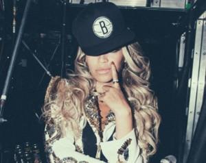 Novo álbum de Beyoncé vende 1 milhão de cópias em apenas 10 dias