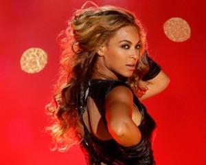 Beyoncé deve ser a cantora mais bem paga de 2014. Saiba tudo