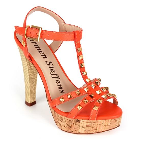42f6b666fd Must have da semana  sandália laranja da Carmen Steffens – Glamurama