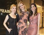 Prada abre loja no Recife com trio de mulheres poderosas. Confira