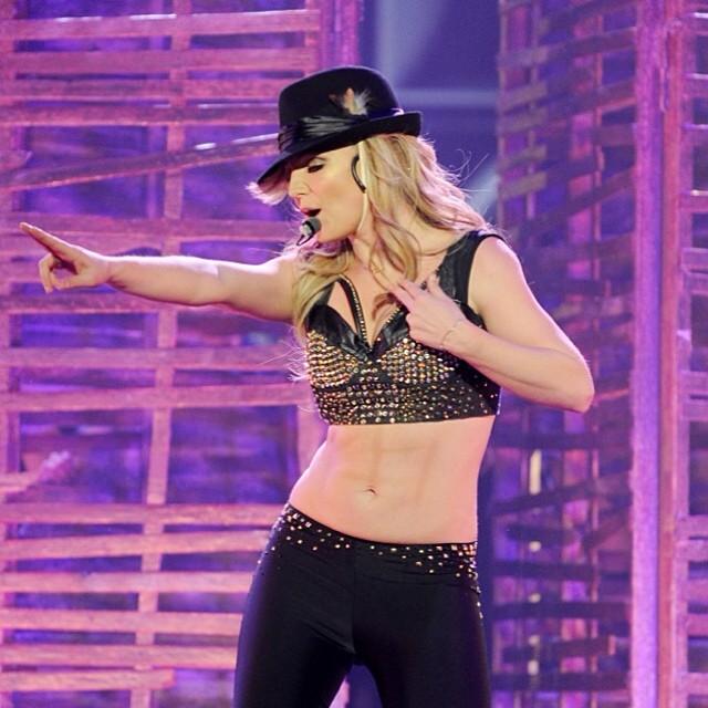 Resultado de imagem para Britney Spears tanquinho