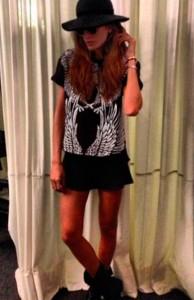 A nova t-shirt queridinha de Isabeli Fontana  e Izabel Goulart? Glamurama mostra!