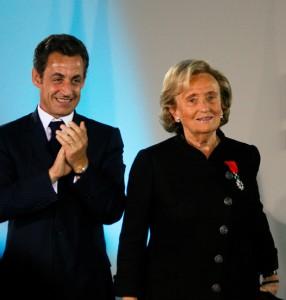 "A ex-primeira dama Bernadette Chirac palpita: ""Sarkozy volta!"""