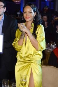 Rihanna deve vencer processo milionário contra corretores
