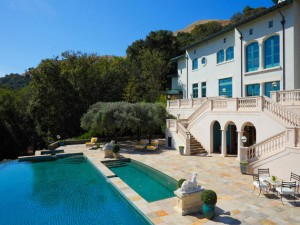 As mansões milionárias dos atores de Hollywood estão à venda. O preço?