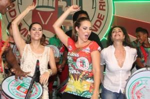 Globais se jogam em festa de aniversário do presidente da Grande Rio