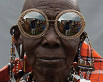 Viaje para o Quênia na nova coleção de óculos de Karen Walker