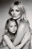 Kate Moss chega aos 40 com muita história para contar. Aqui, a nossa homenagem!