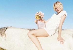Marc Jacobs vai distribuir perfumes em troca de likes nas redes. Entenda