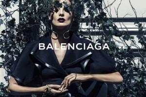 Daria Werbowy é a estrela da campanha de primavera da Balenciaga